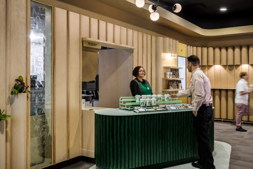 Starbucks_Pickup Store