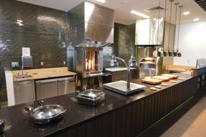 Churchill_Downs_Kitchen_09