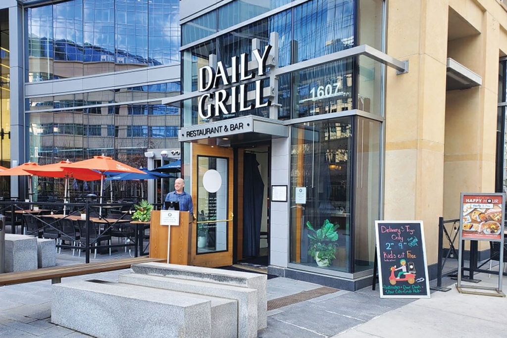 Denver-Daily-Grill-Outdoor-Host-Stand