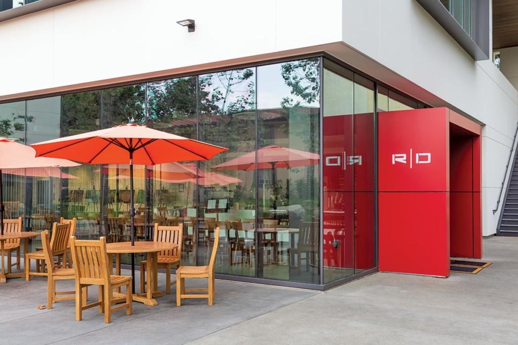 Caltech-Red-Door-Marketplace-Outdoor-Seating
