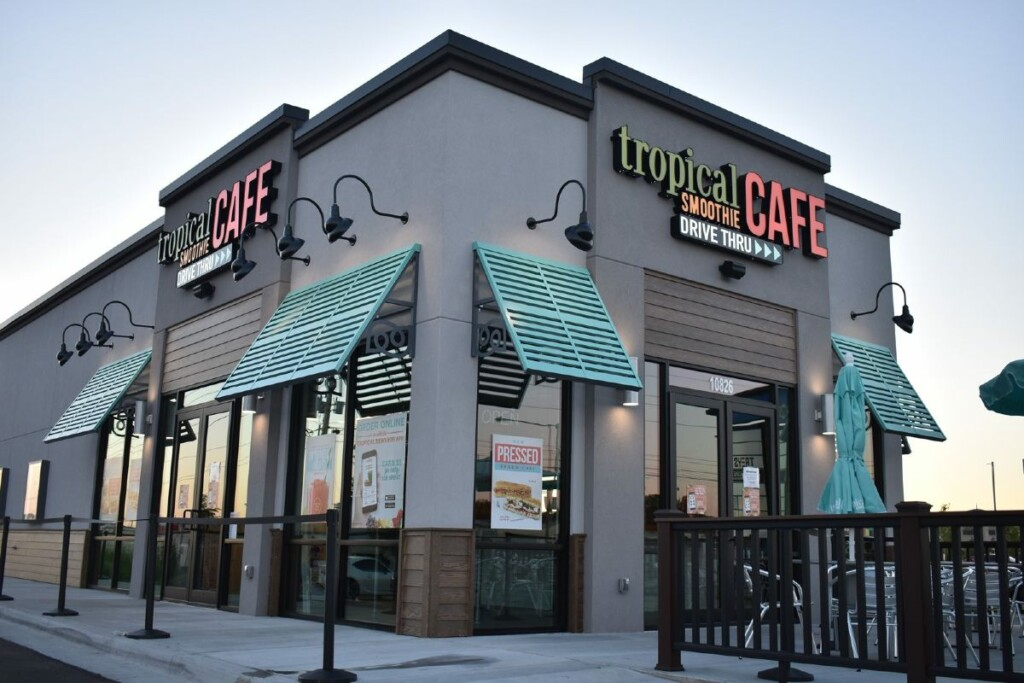 Tropical Smoothie Cafe Image